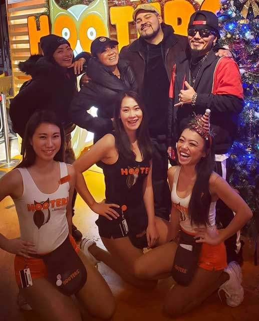 Hooters Shibuya Autograph Session サイン会